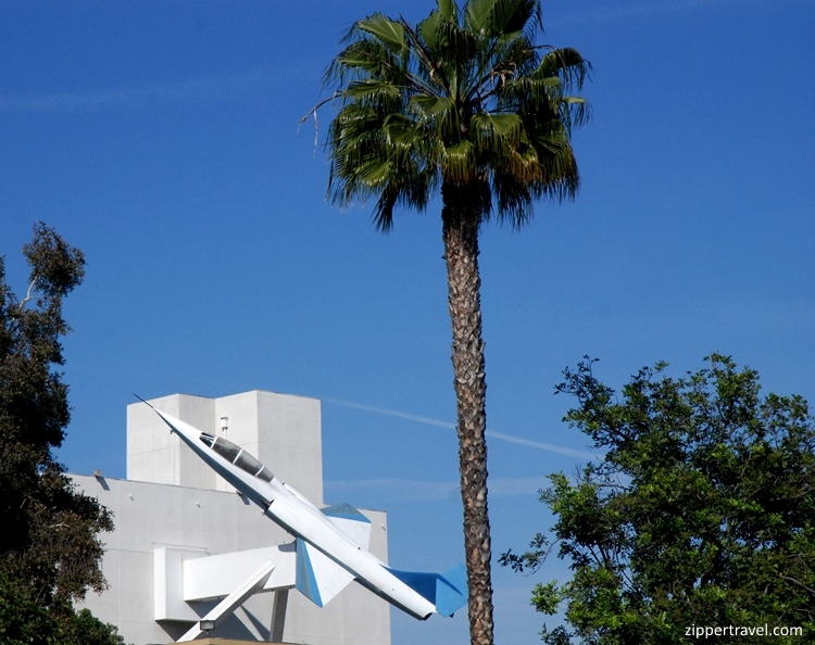 Plane on building California Science Center
