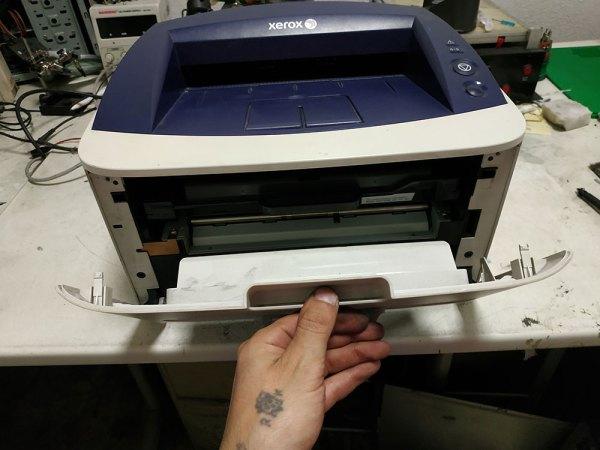 Xerox 3140 - передняя дверца