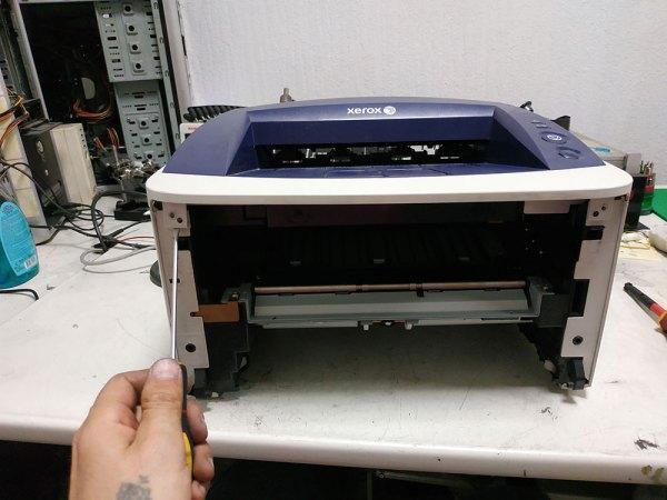 Передняя часть принтера Xerox 3140 - фото №1