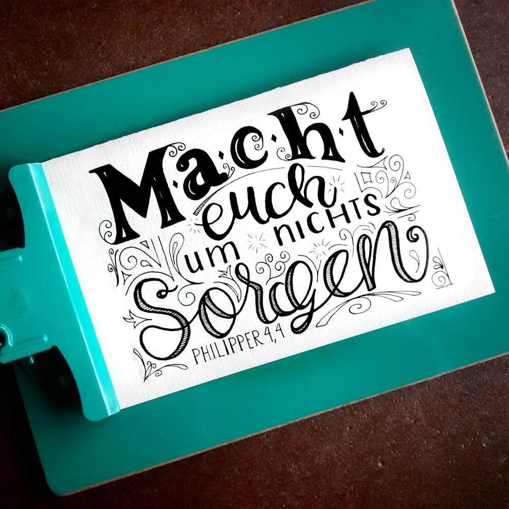 Zirkus Design   Hand Lettering : Lettered Verse auf Deutsch : Macht euch um nichts Sorgen