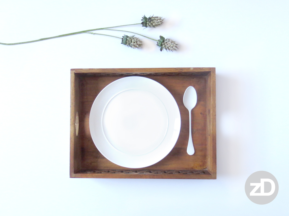 Zirkus Design | Photographing Flat Lay Product Mockups | White Plate with Spoon and Wood Tray