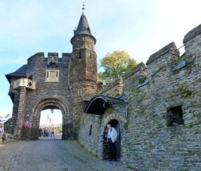 Ein Teil von der Burg der Eingang.