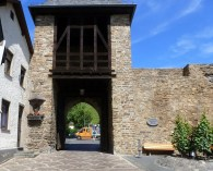Stadtmauer- Tor bei Ahrweiler