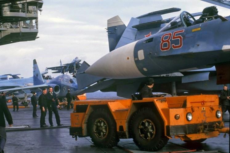 Traffic jam at Admiral Kuznetsov carrier