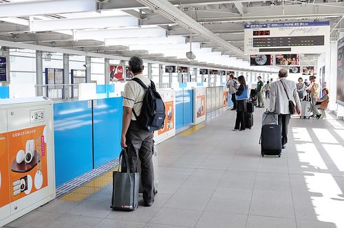 東京單軌電車的等候月台