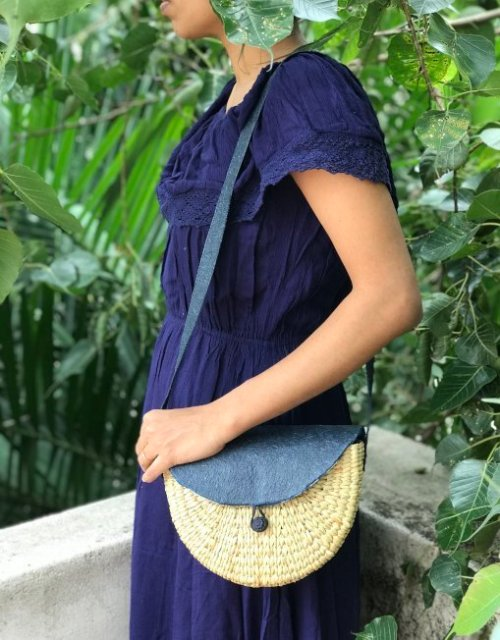 weaved sling bag