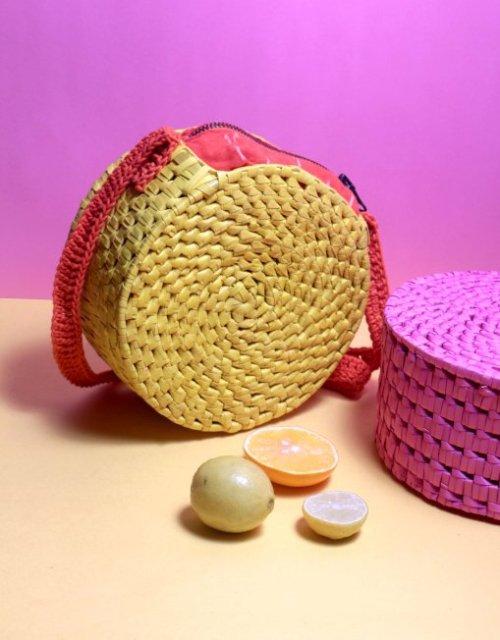 straw sling bag