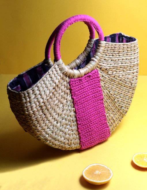 women straw handbag