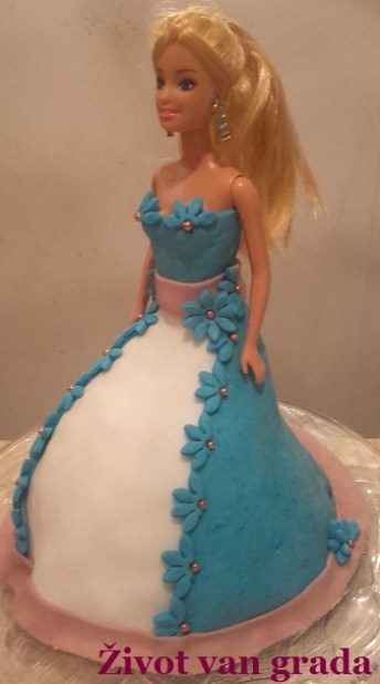 Barbie torta (9)
