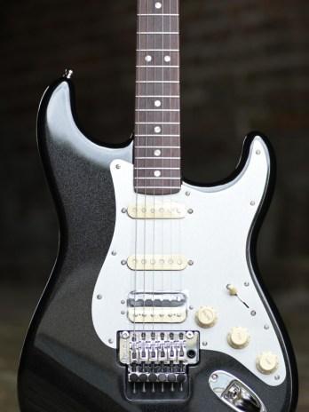 Fender Ultra Luxe Stratocaster Floyd Rose HSS – Mystic Black
