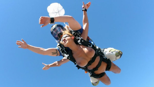 Nude skydiving woman