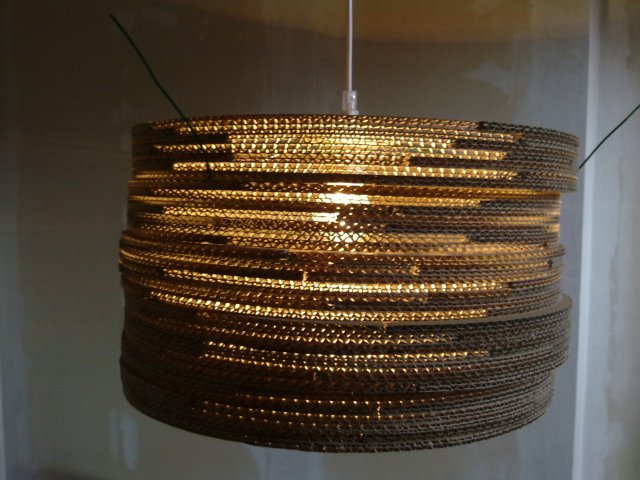 beczka-4-8 - lampa z kartonu