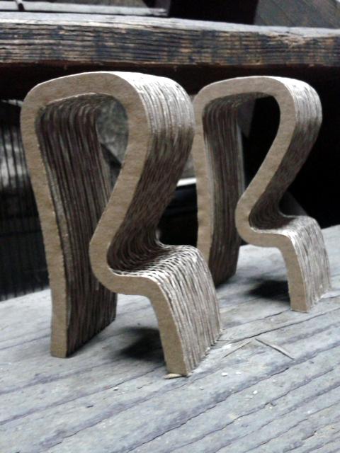Krzeslo barowe z kartonu - 4