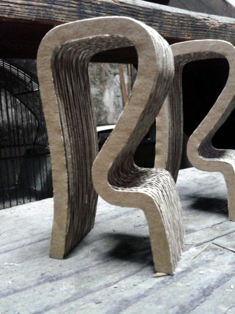 Krzeslo barowe z kartonu - 5