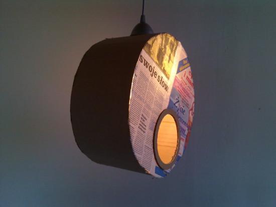 lampa-z-tektury-i-gazety-medalio-9