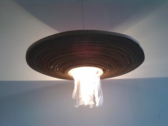 lampa-parasol-z-kartonu-tektury-10