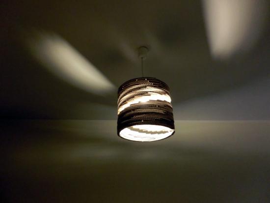 lampa-spiralna-w-domu-1
