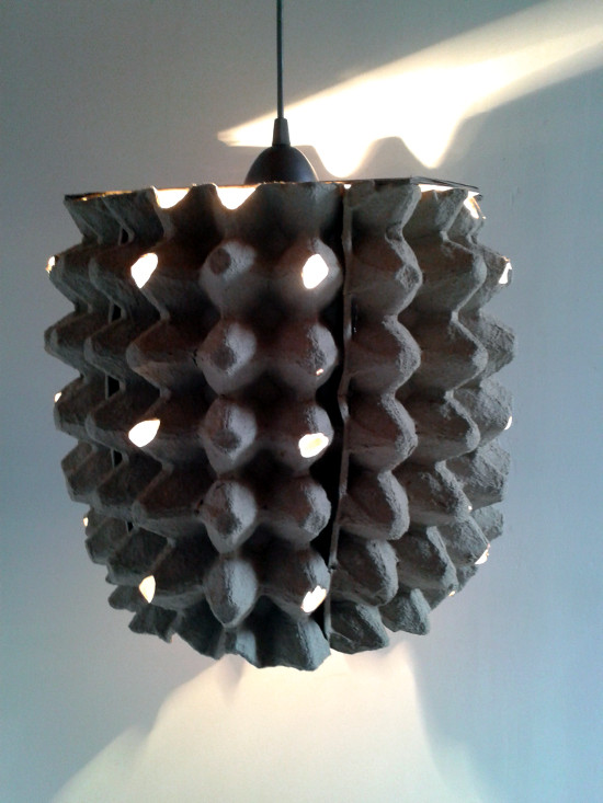 lampa-z-jakek-kartonowa-3