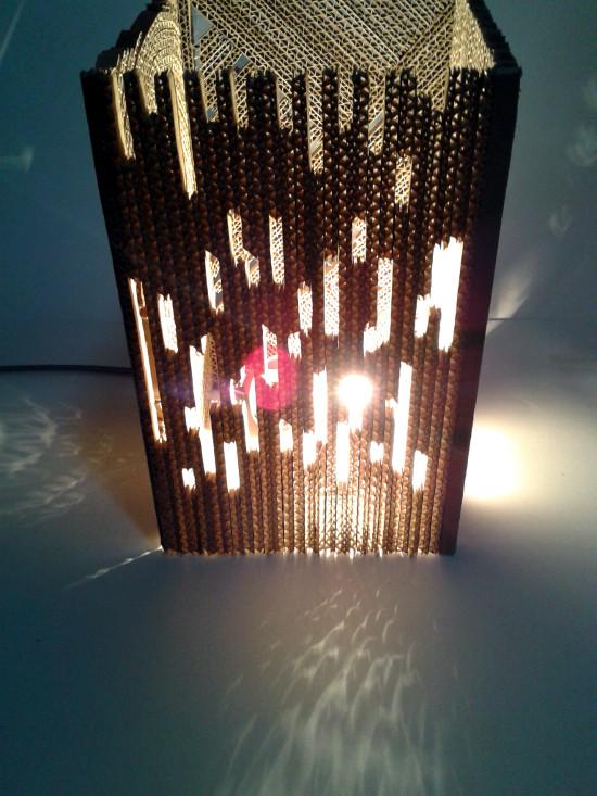 lampa-z-tektury-w-4-czesciach-pionowe-4