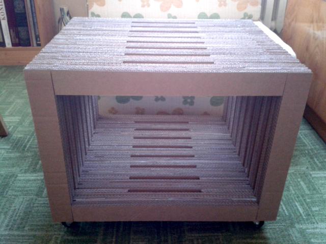 Stol na kolkach - 1