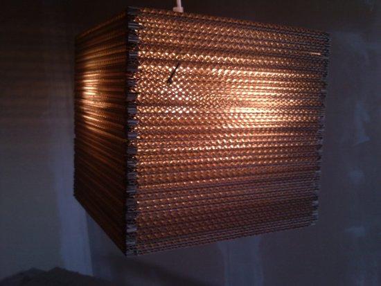 szescian-lampa-z-kartonu-16