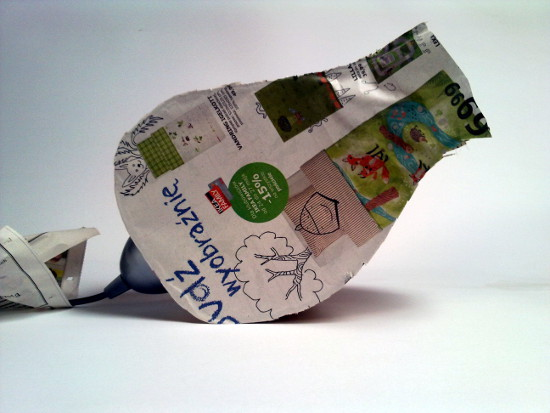 tulipan-z-tektury-i-gazety-1