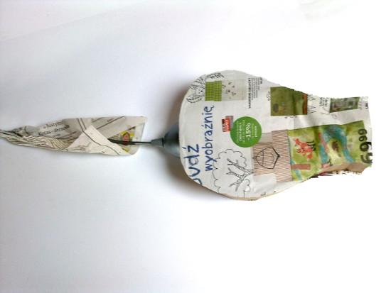 tulipan-z-tektury-i-gazety-3
