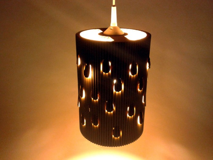 lampa-desczowa-z-kartonu-2