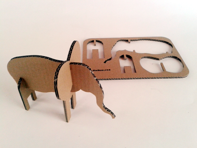 Slon z kartonu - 1