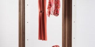 wieszka na ubrania z karotnu - 1