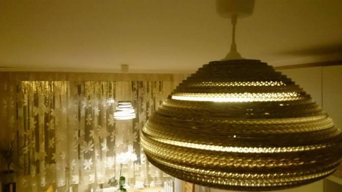 lampa-biala-z-kartonu-3