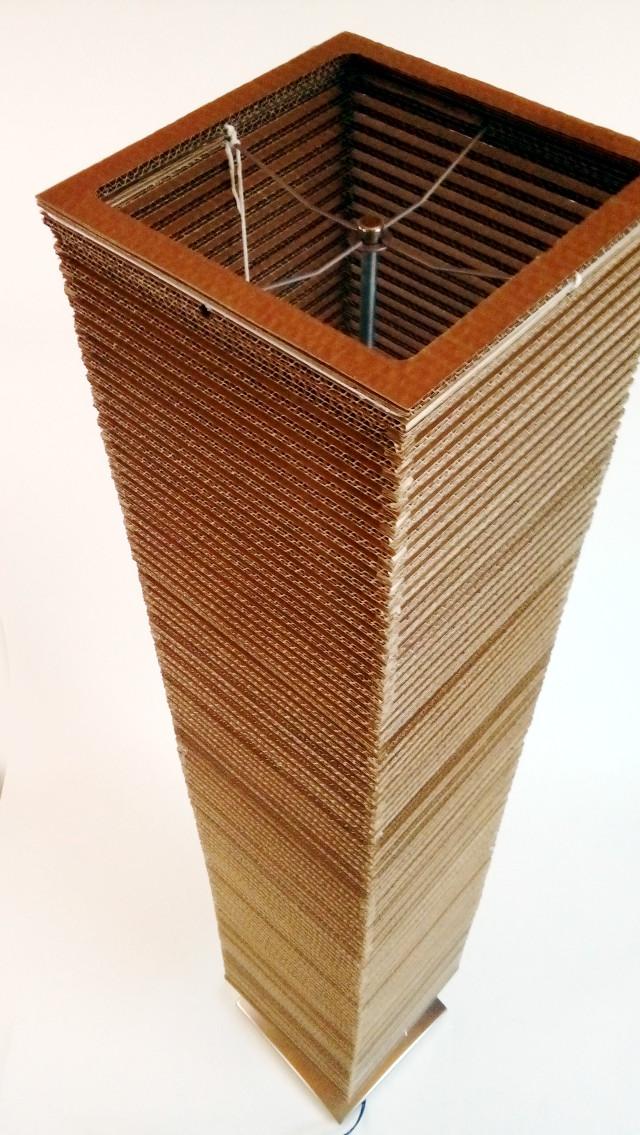Lampa z kartonu wysoka - 2