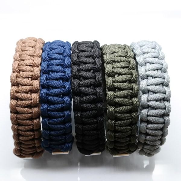 Multi colour paracord armbånd fra det danske brand ZLCOPENHAGEN | Fremstillet af genanvendte materialer