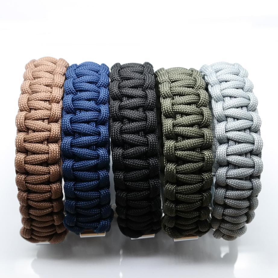 Multi colour paracord armbånd fra det danske brand ZLCOPENHAGEN   Fremstillet af genanvendte materialer