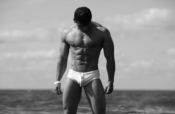 ZLC Manden på stranden