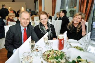 Goście Gali Złoty OTIS 2013: (od lewej) minister Sławomir Neumann, posłanka Barbara Czaplicka, prof. Renata Górska