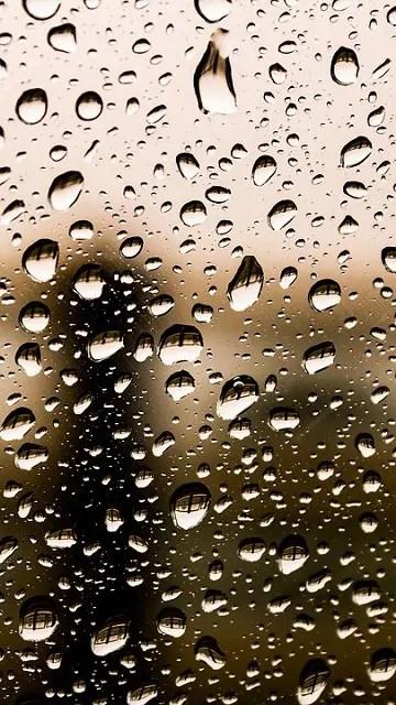 ozadja za telefon kapljice vode na steklu
