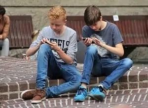 mladina in mobilni telefoni