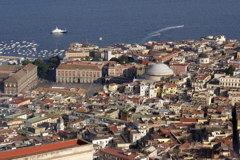 טיול לנאפולי