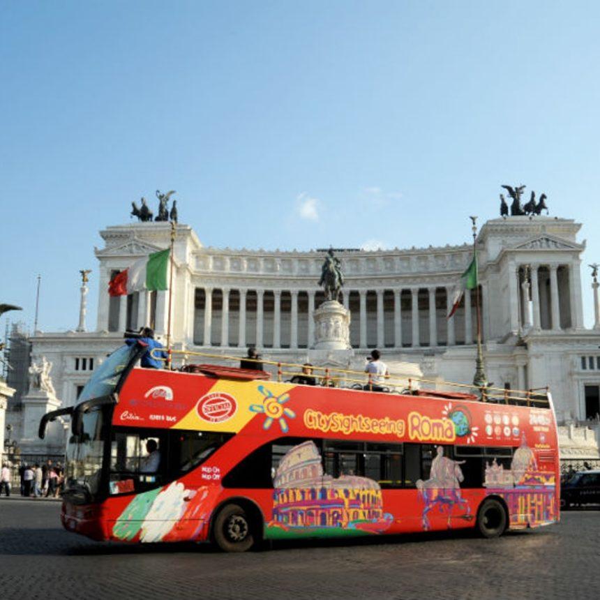 אוטובוס קומתיים ברומא