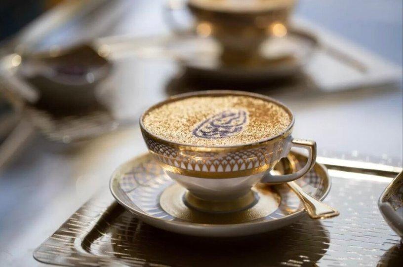 קפה במלון בורג׳ אלערב דובאיי