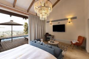 מלון גורדוניה, מעלה החמישה