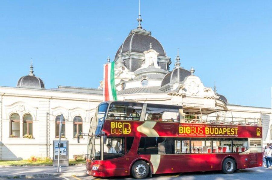 אוטובוס תיירים בבודפשט