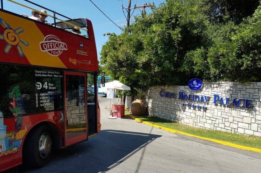 סיור אוטובוס תיירים בקורפו