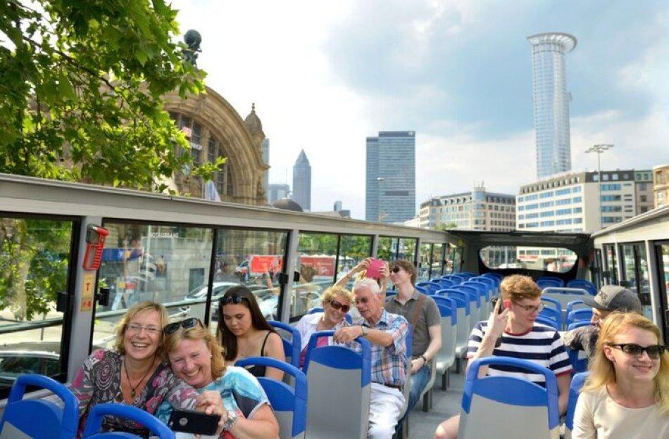 אוטובוס תיירים בפרנקפורט