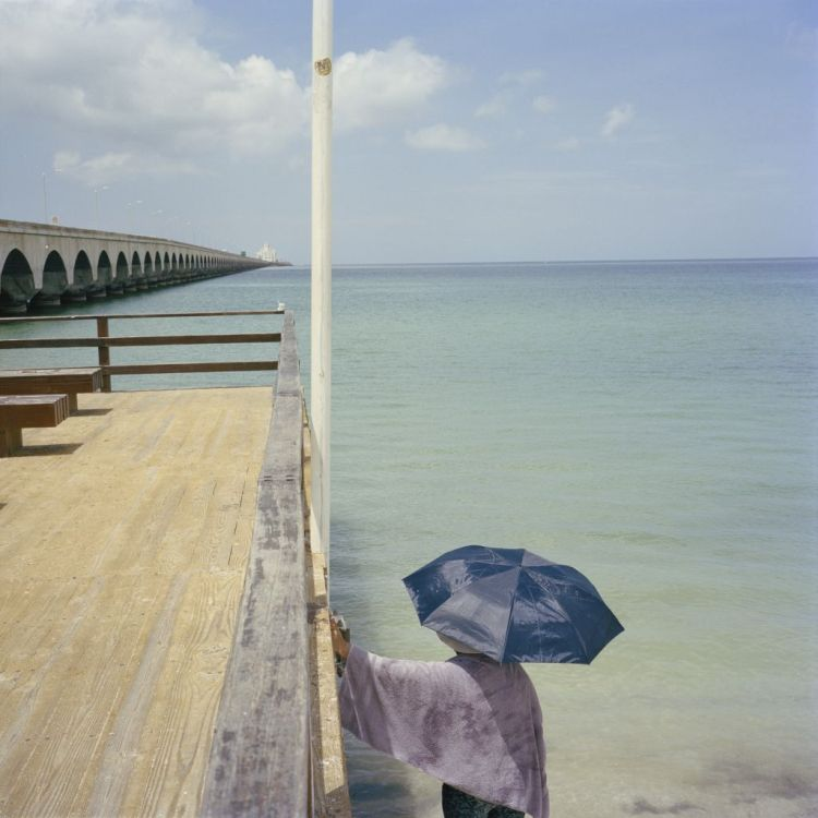 Premiul I Categoria People Story © Michael Vince Kim Title: Aenikkaeng: Port of Progreso, Mexico, where Koreans first arrived in the Yucatan peninsula. Progreso, Mexico. 2016.