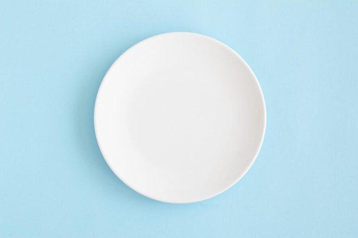 Что можно есть во время «читмила», а что следует вычеркнуть из списка?