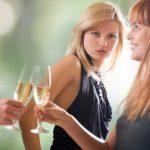 Чему завидуют подруги и как с этим бороться