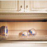 Навесные кухонные шкафы для посуды: виды, особенности, как выбрать