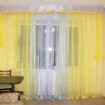 Желтый тюль в интерьере — советы по выбору оттенка и сочетаемости с другими предметами